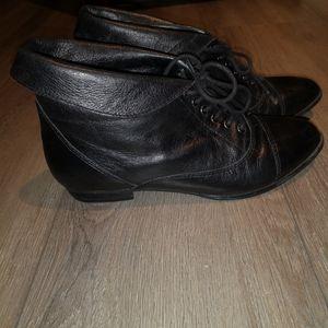 Aldo genuine leather folded black bootie